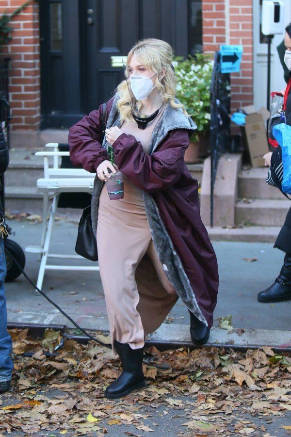 Emily Alyn Lind and Gossip Girl reboot cast members break for lunch in Manhattan 11