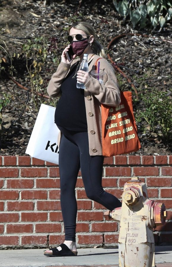 Emma Roberts out in Los Angeles 04