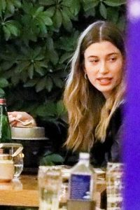 Hailey Bieber Out with friends in Beverly Hills 04