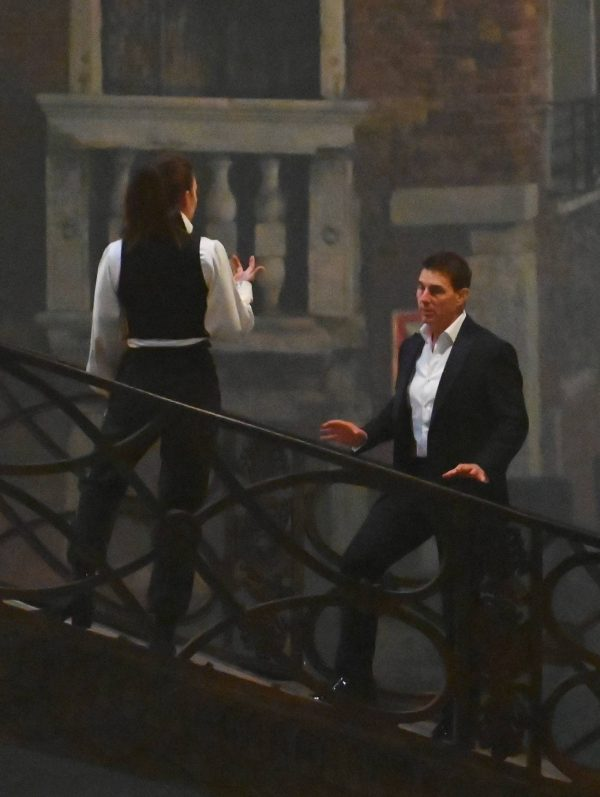 Hayley Atwell On the set of Mission Impossible 7 on the bridge Minich in Venice 10