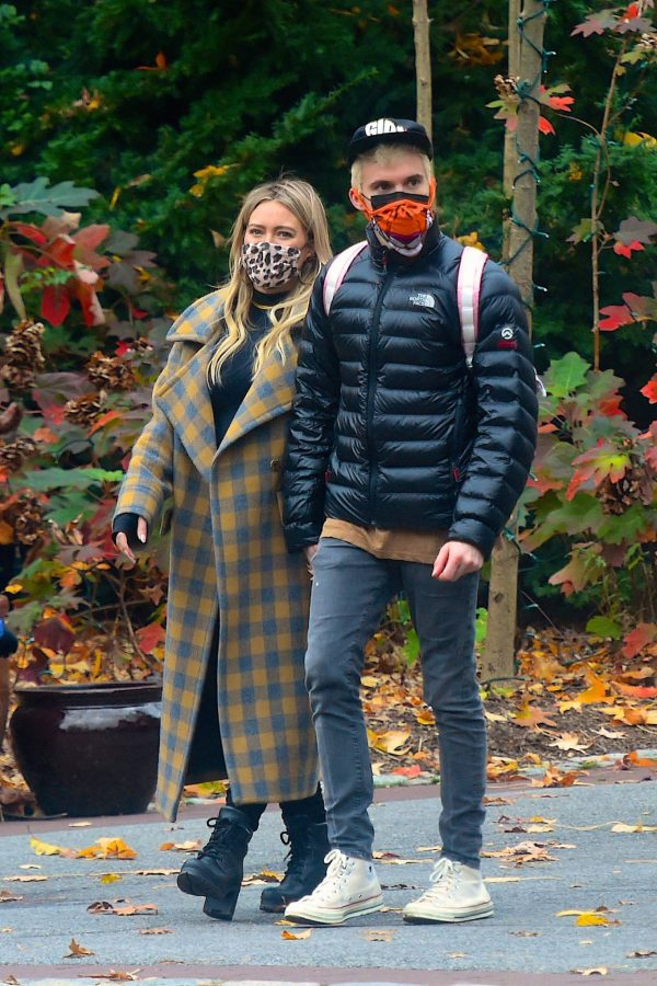 Hilary Duff Seen at The Bronx Zoo in New York 01