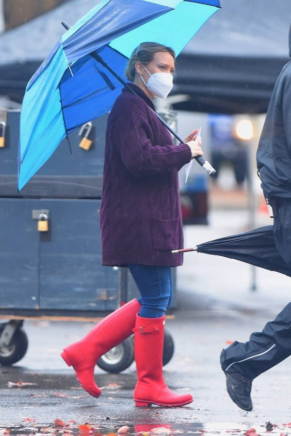 Hilary Duff Seen on the rain on the set of Younger in Westbury 05