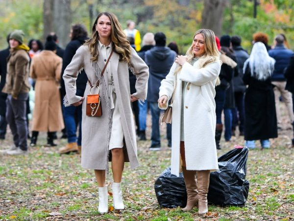 Hilary Duff With Sutton Foster At the film set of the Younger TV Series in New York 03