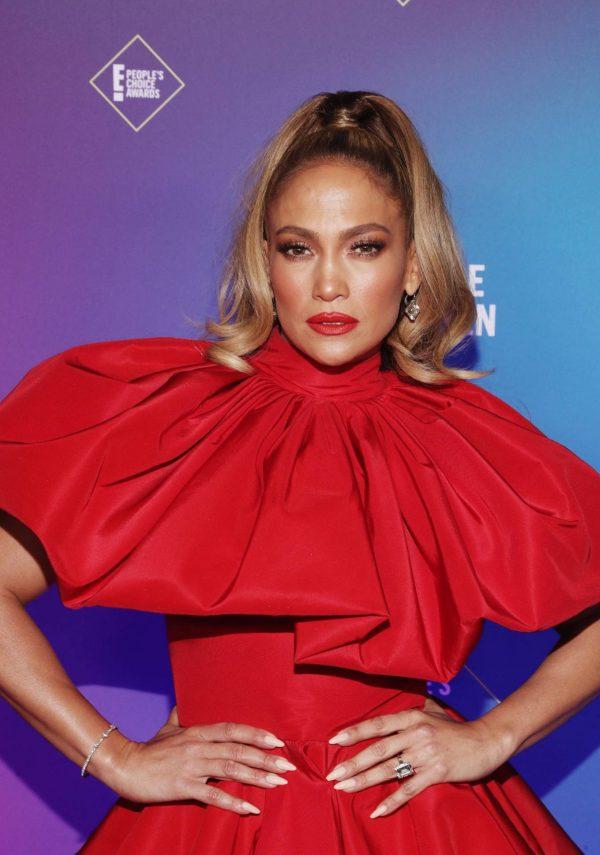 Jennifer Lopez 2020 E Peoples Choice Awards in Santa Monica 02