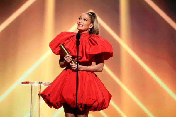 Jennifer Lopez 2020 E Peoples Choice Awards in Santa Monica 08
