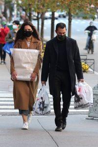 Katie Holmes and Emilio Vitolo Jr. shopping in Manhattans Soho 10