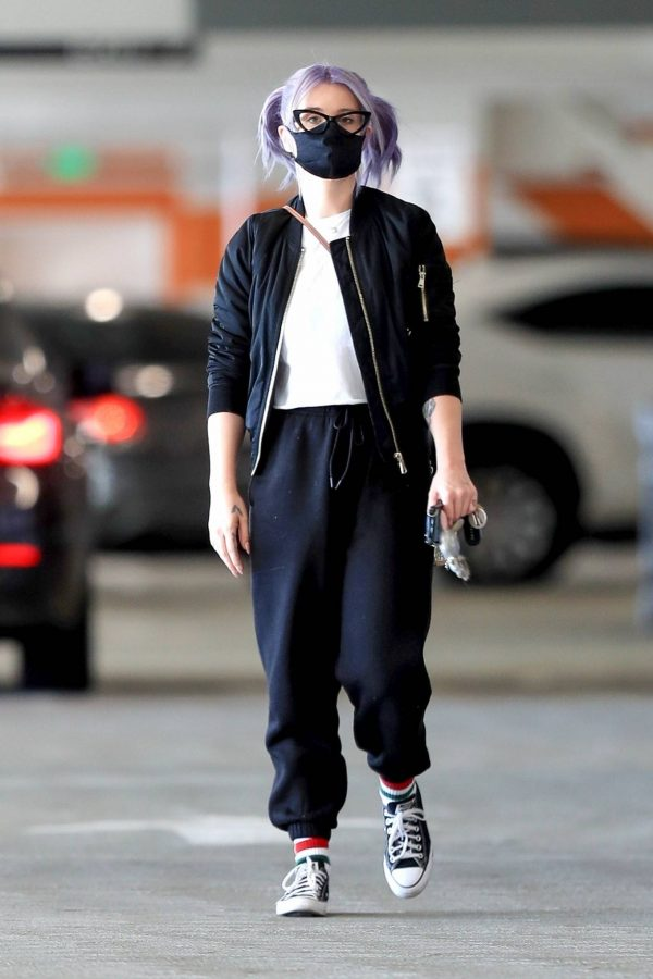 Kelly Osbourne Xmas shopping at the Beverly Connection in Beverly Hills 02
