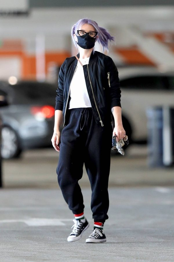 Kelly Osbourne Xmas shopping at the Beverly Connection in Beverly Hills 05