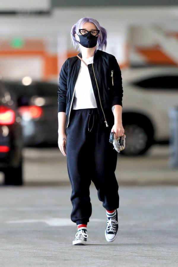 Kelly Osbourne Xmas shopping at the Beverly Connection in Beverly Hills 08