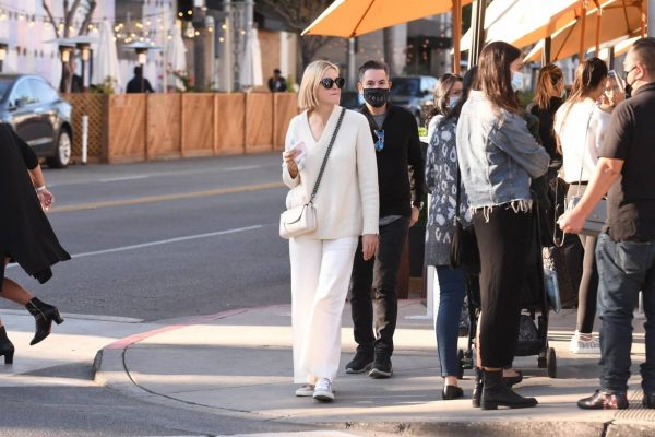 Kelly Rutherford lunch at Porta Via restaurant in Beverly Hills 05