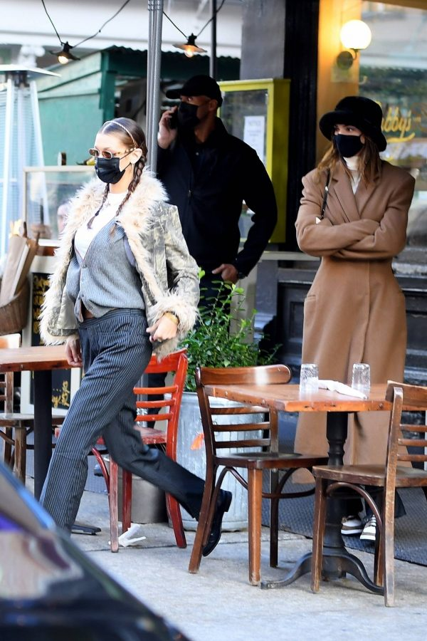 Kendall Jenner and Bella Hadid Out for lunch in New York 04