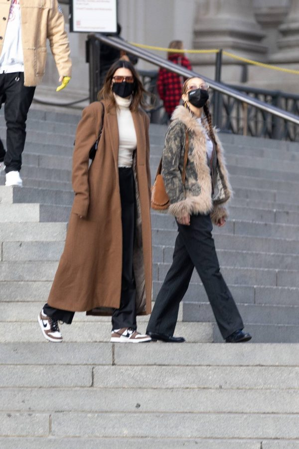 Kendall Jenner and Bella Hadid Out for lunch in New York 07