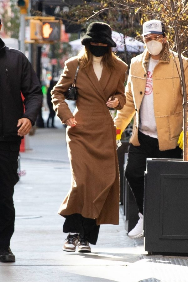 Kendall Jenner and Bella Hadid Out for lunch in New York 08