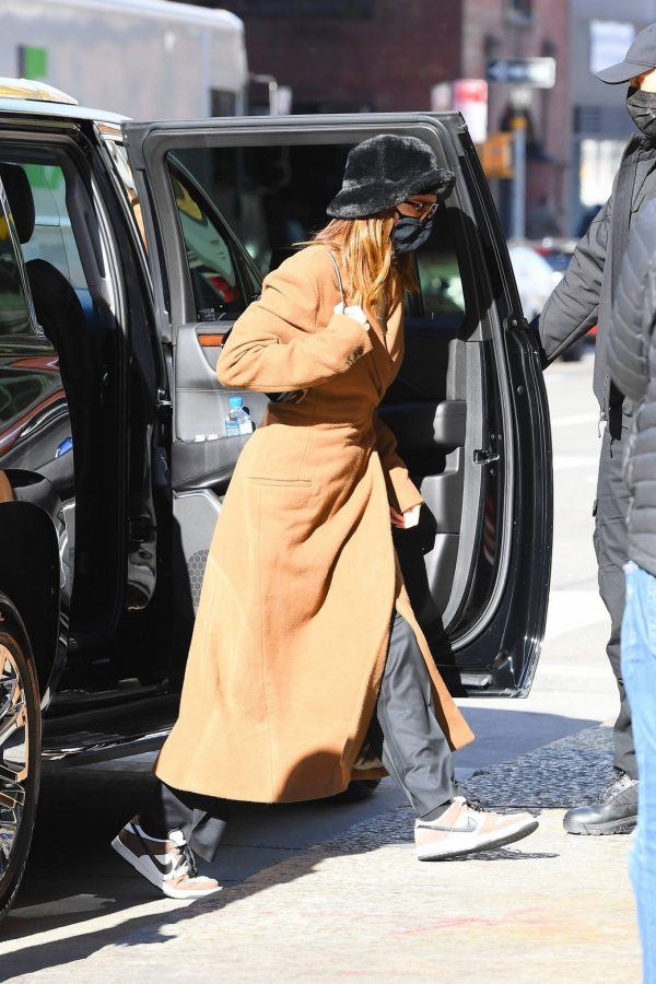 Kendall Jenner and Bella Hadid Out for lunch in New York 10