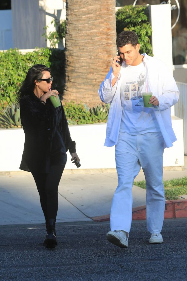 Kourtney Kardashian running errands in Los Angeles 03