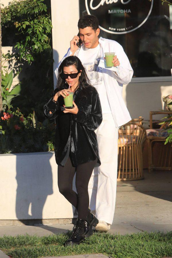 Kourtney Kardashian running errands in Los Angeles 05