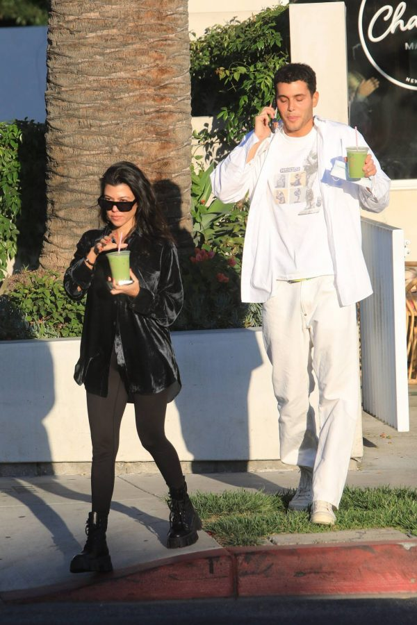 Kourtney Kardashian running errands in Los Angeles 07