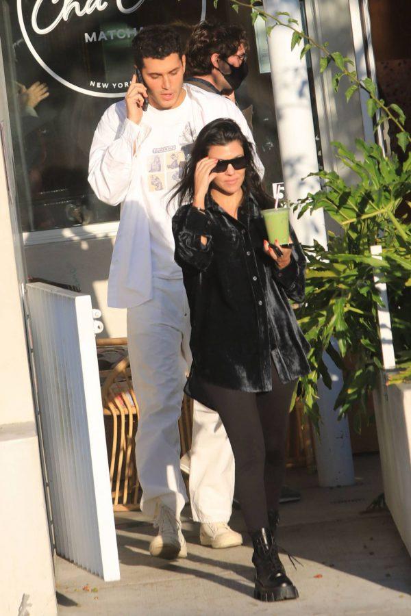 Kourtney Kardashian running errands in Los Angeles 18