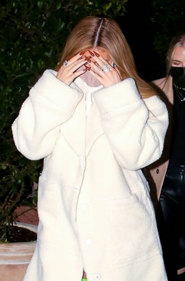 Kylie Jenner Out with friends in Santa Monica 09