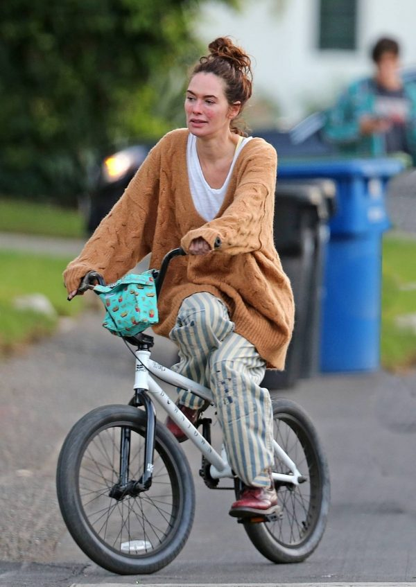 Lena Headey Riding a bicycle in Los Angeles 05