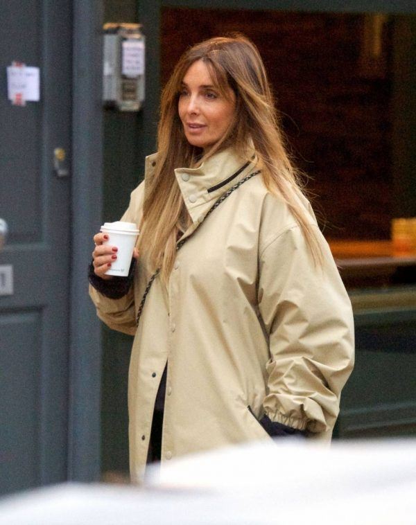 Louise Redknapp Out for Coffee fix in Primrose Hill 03