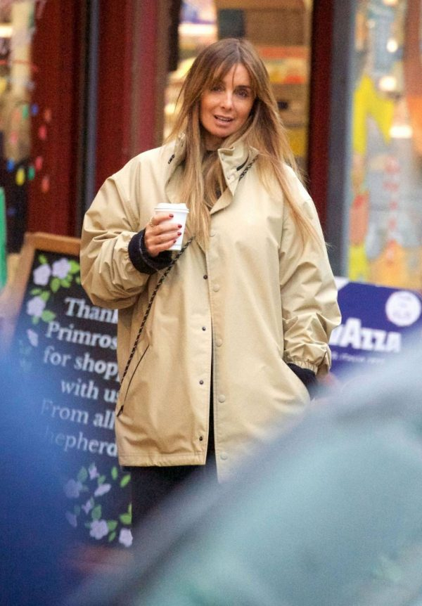Louise Redknapp Out for Coffee fix in Primrose Hill 04