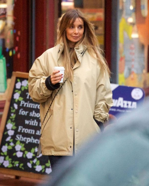 Louise Redknapp Out for Coffee fix in Primrose Hill 05