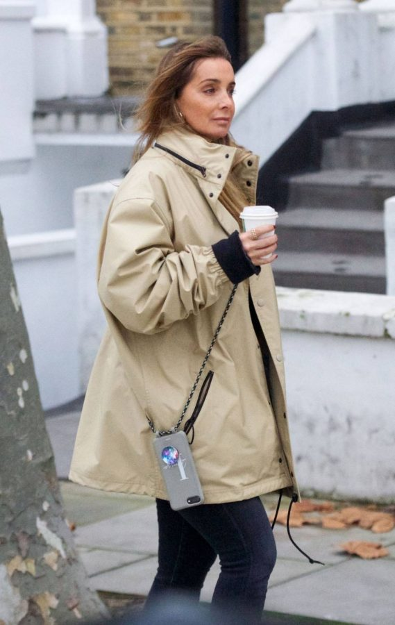 Louise Redknapp Out for Coffee fix in Primrose Hill 07