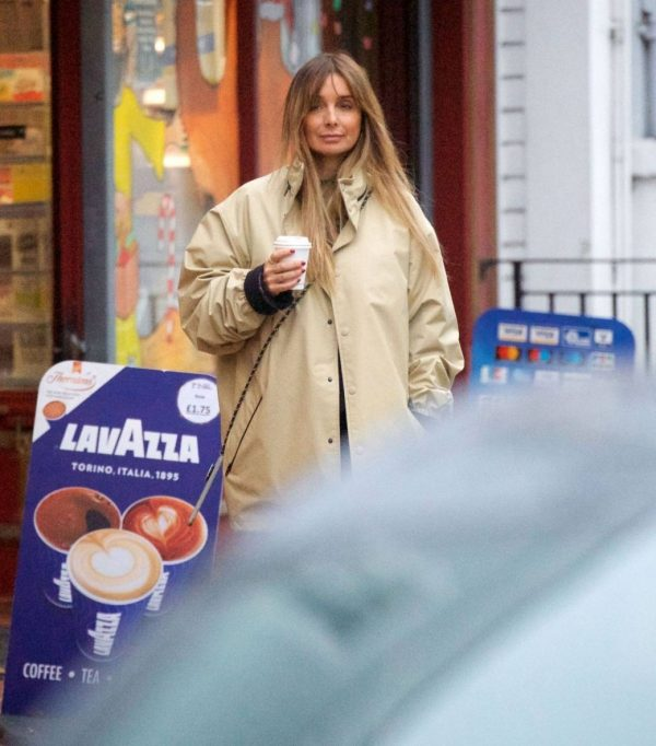 Louise Redknapp Out for Coffee fix in Primrose Hill 09