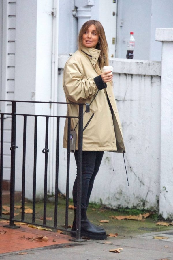 Louise Redknapp Out for Coffee fix in Primrose Hill 10