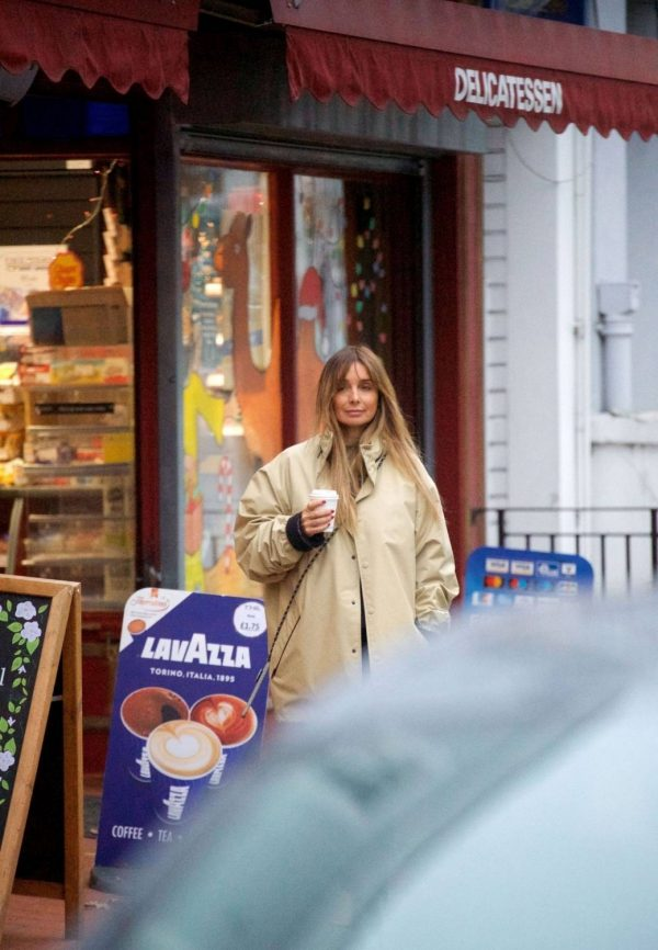 Louise Redknapp Out for Coffee fix in Primrose Hill 11