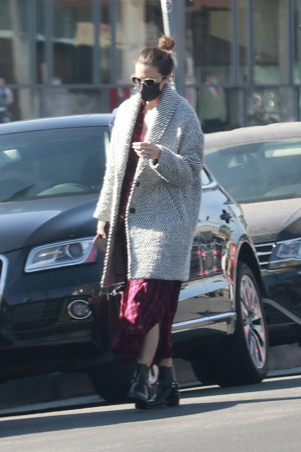 Mandy Moore Leaving an acupuncture clinic in Los Angeles 02