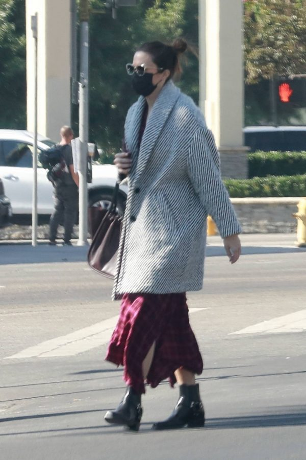Mandy Moore Leaving an acupuncture clinic in Los Angeles 08