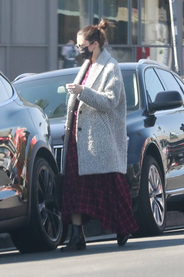Mandy Moore Leaving an acupuncture clinic in Los Angeles 09