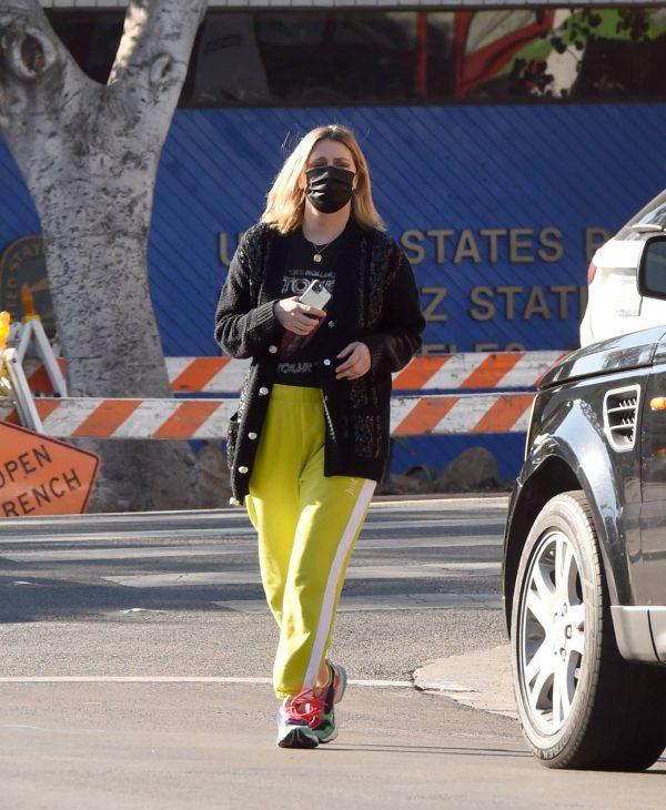 Mischa Barton Running errands in Los Angeles 11