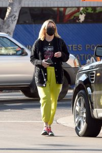 Mischa Barton Running errands in Los Angeles 12