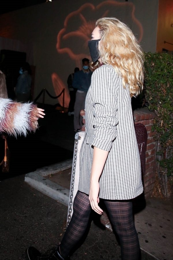 Peyton List grabs a bite with friends at Delilah in West Hollywood 04