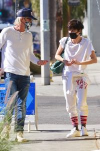 Selma Blair Spotted shopping on Melrose Ave in Hollywood 03