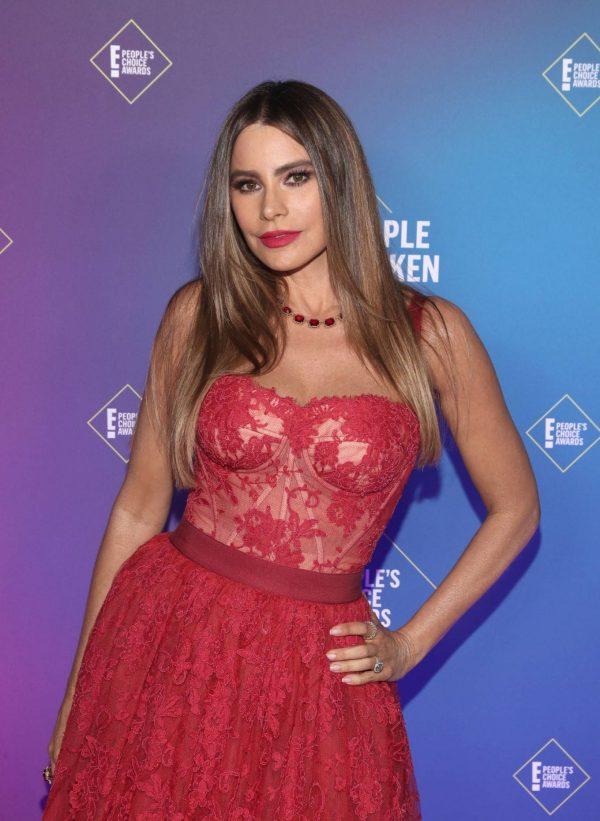 Sofia Vergara 2020 E Peoples Choice Awards in Santa Monica 03