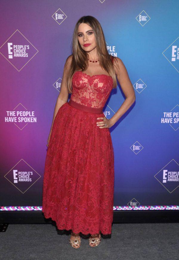 Sofia Vergara 2020 E Peoples Choice Awards in Santa Monica 06