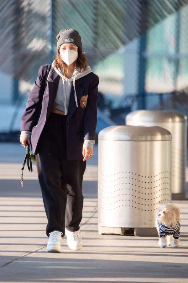 Vanessa Hudgens Pictured at JFK Airport in New York 09