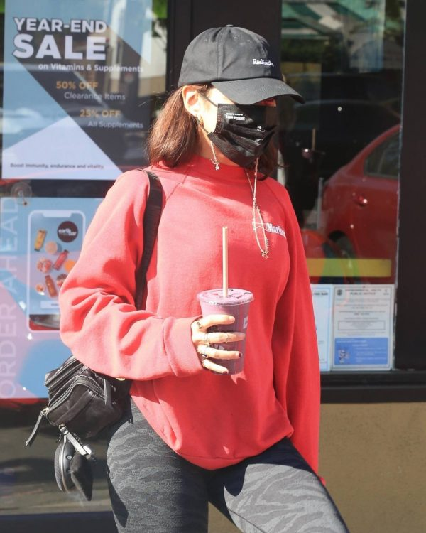 Vanessa Hudgens With GG Magree seen outside Earthbar in West Hollywood 18