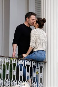 Ana De Armas and Ben Affleck Spotted on a balcony in New Orleans 47
