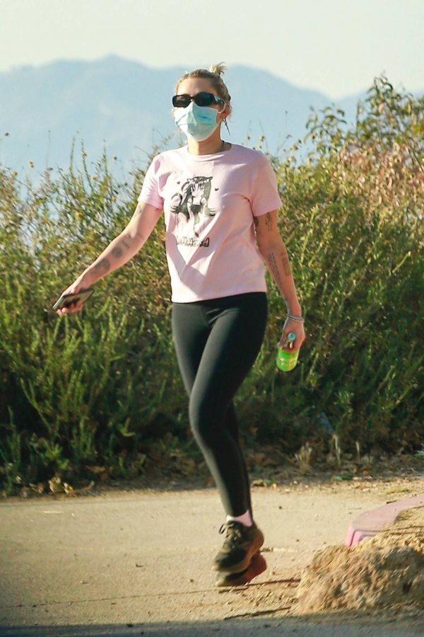 Miley Cyrus Out for a for a hike in Los Angeles 09