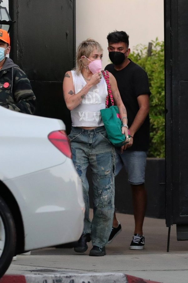 Miley Cyrus Seen leaving a hair salon in West Hollywood 01