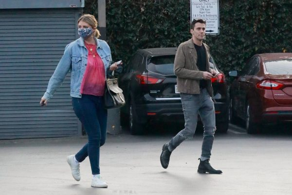 Mischa Barton And her boyfriend Gian Marco Flamini at Tomato Pie Pizza Joint in Los Angeles 02