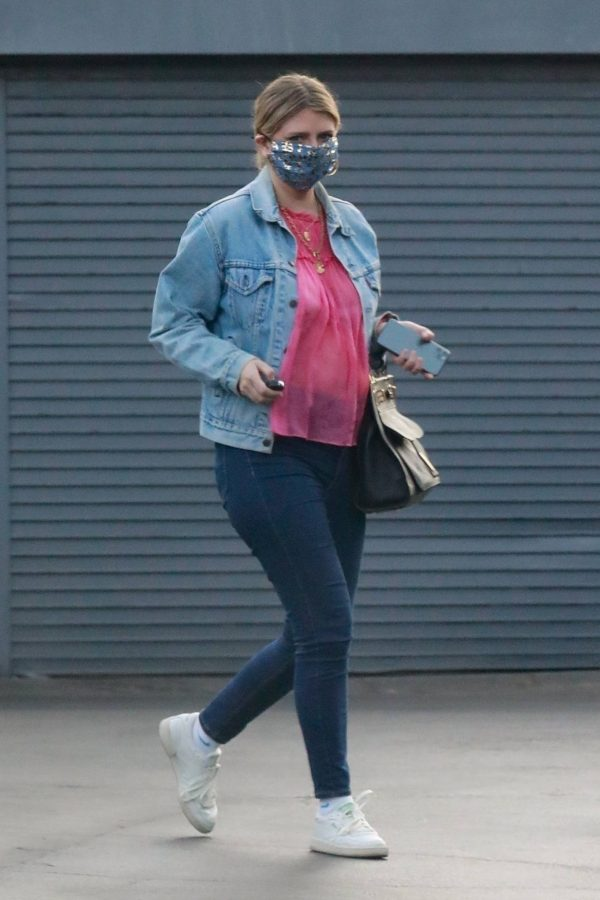 Mischa Barton And her boyfriend Gian Marco Flamini at Tomato Pie Pizza Joint in Los Angeles 04