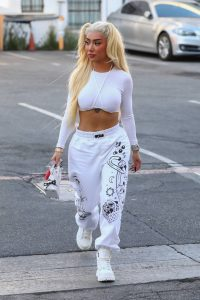 Nikita Dragun Shopping candids at Valentino Boutique in Beverly Hills 02