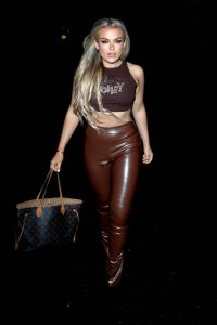Tallia Storm In skinny leather flashed her toned abs in London 08